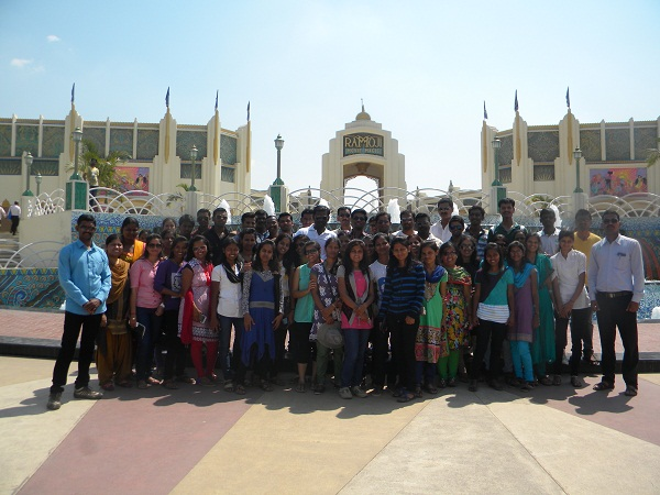 Hyderabad Industrial Visit 2014 - 2015